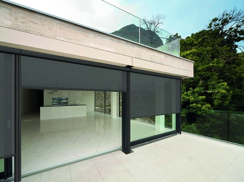 Retractable Screen Wall System
